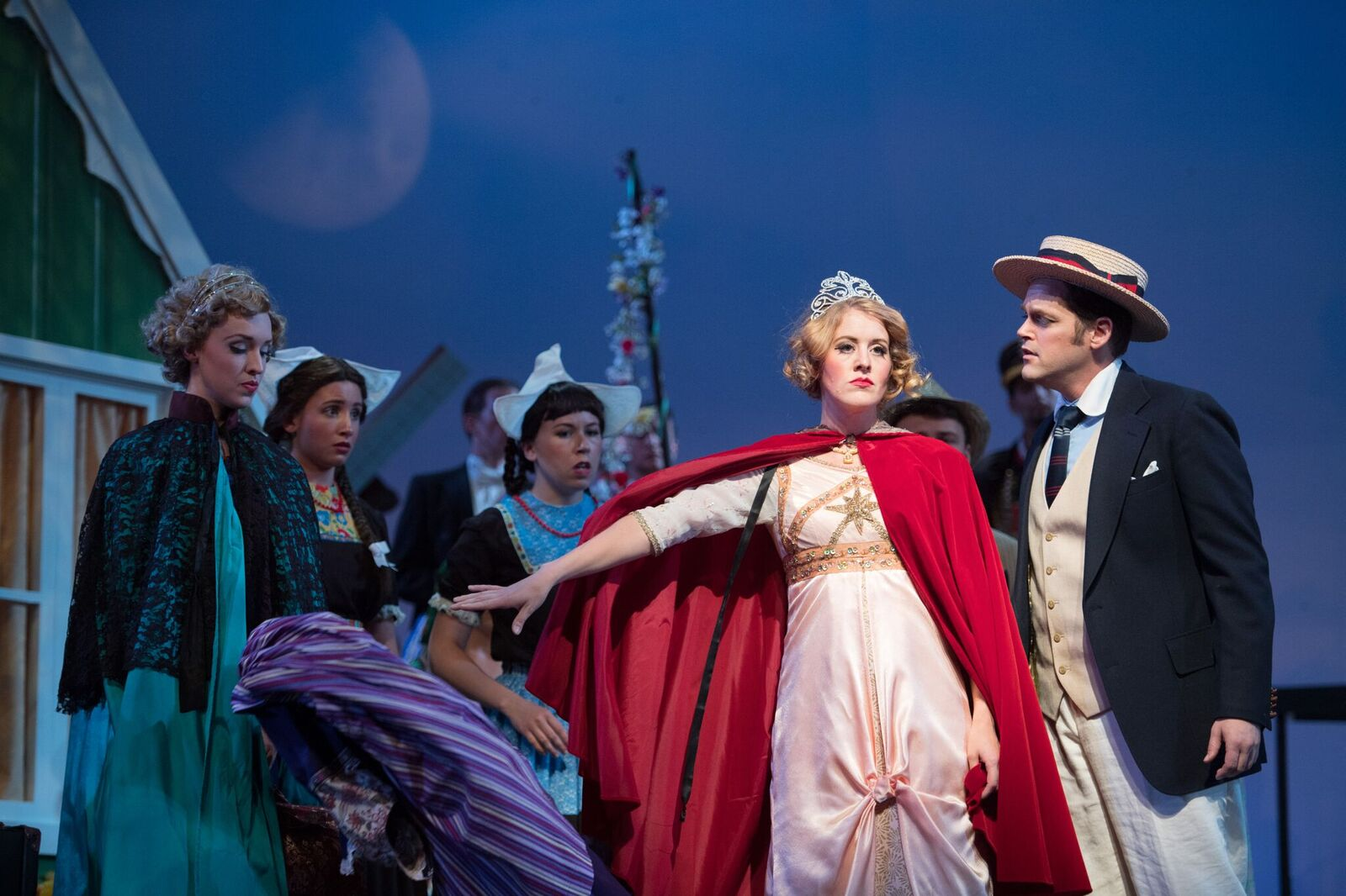 "A melodramatic moment from ""Hollandweibchen"" at the Ohio Light Opera. (Photo: Matt Dilyard)"