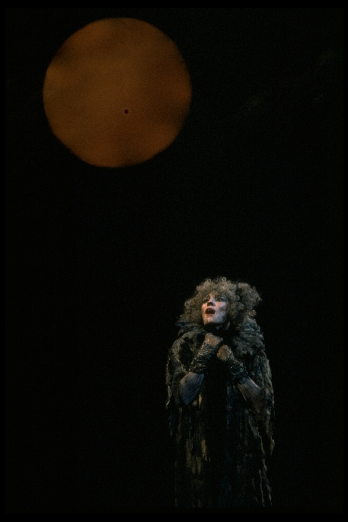 "Betty Buckley as Grizabella in the original Broadway production of ""Cats."" (Photo: Martha Swope)"
