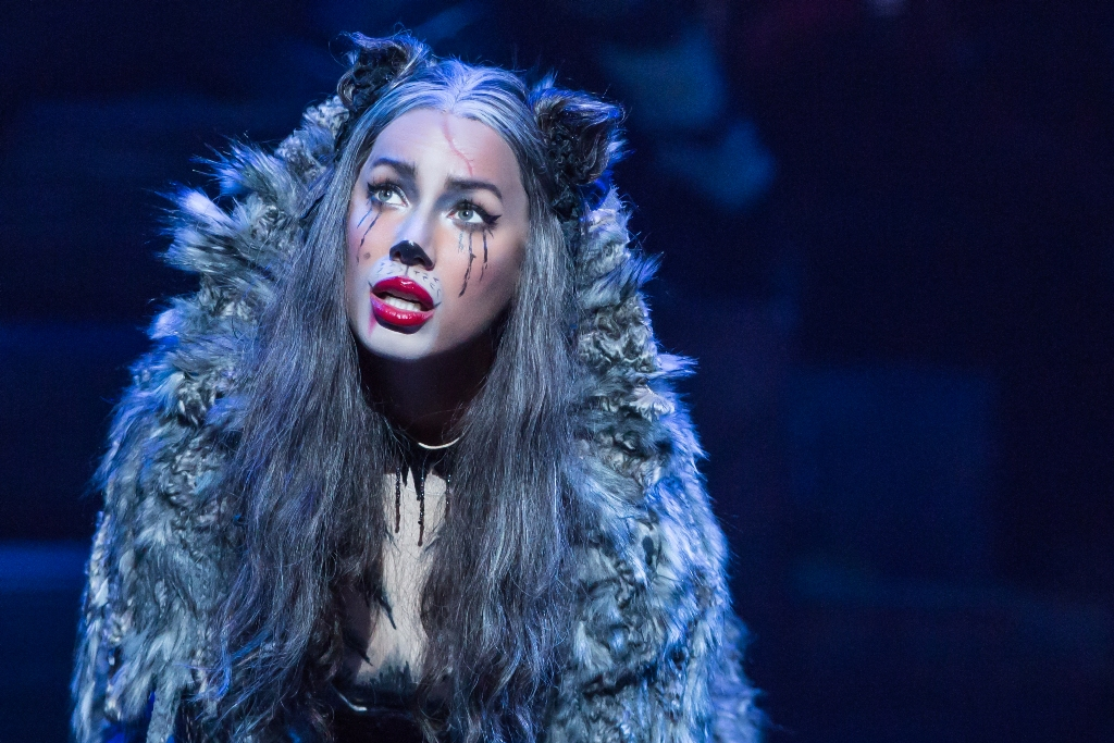 "Leona Lewis as Grizabella in ""Cats"" 2016. (Photo: Matthew Murphy)"
