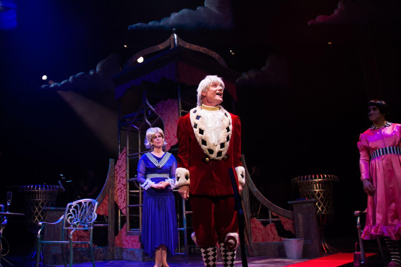 """The carzed king in Offenbach's """"The Isle of Tulipatan"""" in 2016. (Photo: Opera della Luna)"""