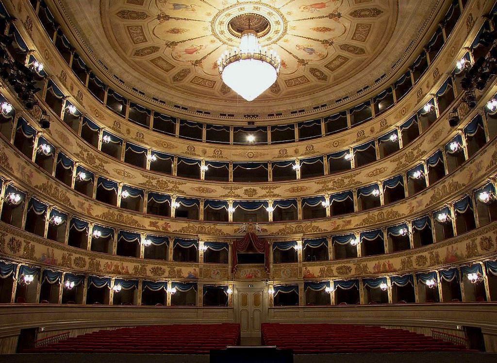 The Teatro Dante Alighieri in Ravenna. (Photo: Lorenzo Gaudenzi/Wikipedia)