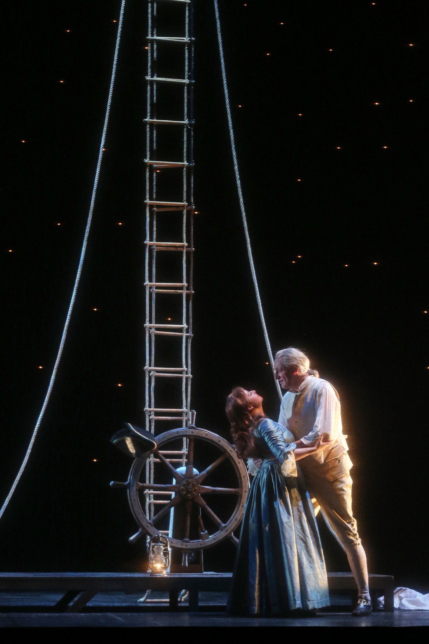"Cornelia Marschall (as Amy Lyon), Stephan Korves (as Horatio Nelson) in ""Lady Hamilton."" (Photo: Claudia Heysel)"