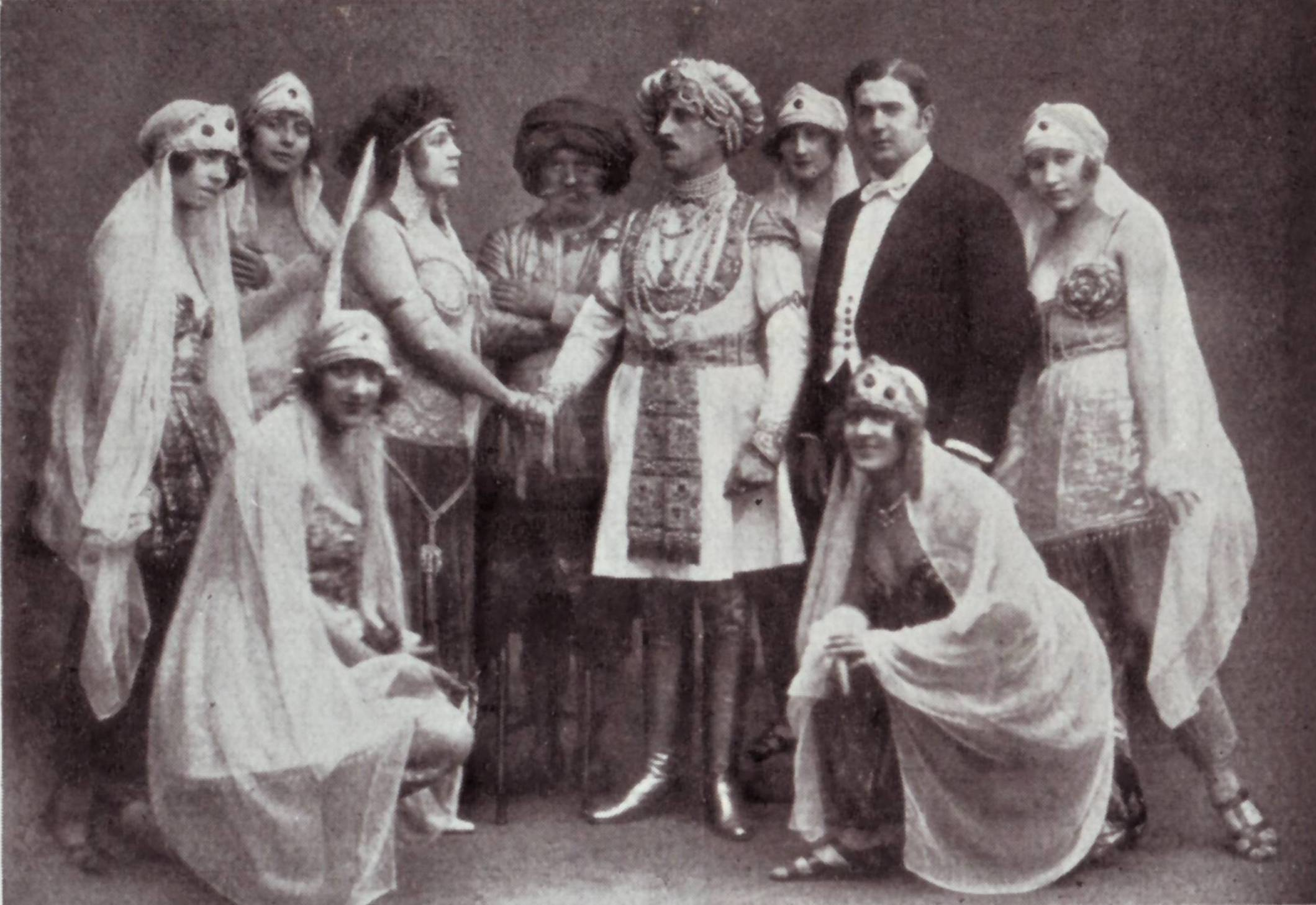 "The original 1921 cast of ""Bajadere,"" with tenor Louis Treumann as Radjami and Christl Mardayn as Odette. (Photo: Operetta Research Center)"