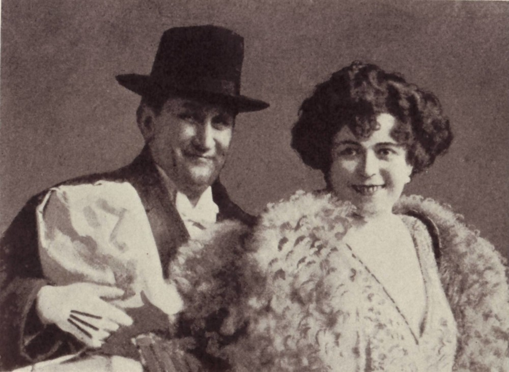 "The 1921 buffo couple Ernst Tautenhayn and Louise Kartousch in ""Bajadere."" (Photo: Operetta Research Center)"
