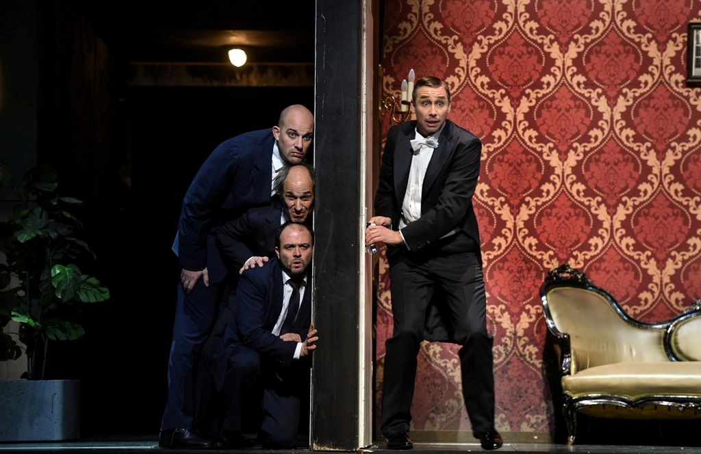 David Jerusalem (Sergei Mentschikoff), Karl Walter Sprungala (Pélégrin), Luis Fernando Piedra (Pawel von Pawlowitsch), and Kay Stiefermann as an alternative cast for René Graf von Luxemburg. (Photo: Hans Jörg Michel)