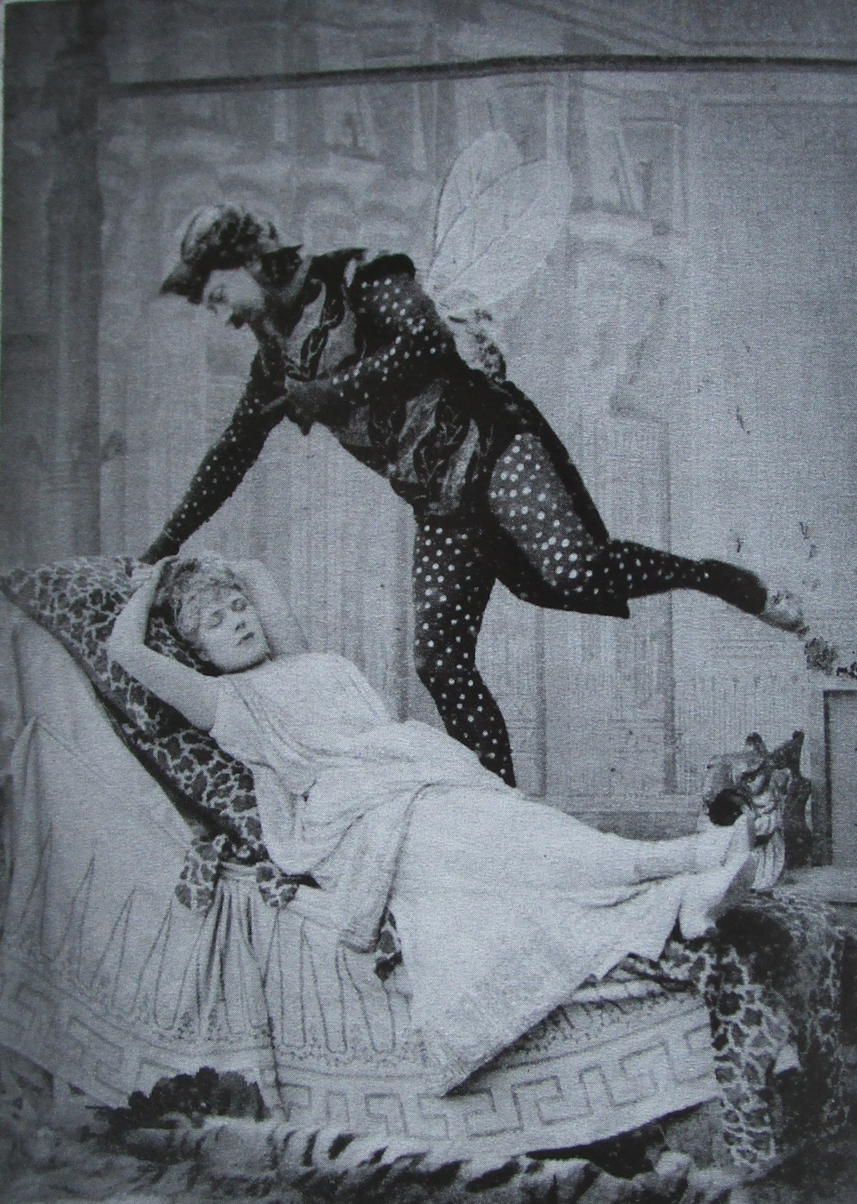 """Jeanne Granier as Eurydice and Eugène Vauthier as Jupiter in 1887, photo by Nadar from the collection of Laurent Fraison. (From """"...was Musik bewirken kann"""", Thelem Press 2016)"""