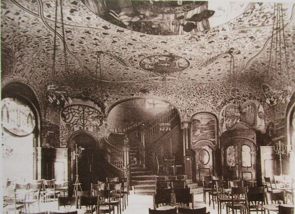 "The luxurious café inside the Central Theater, Dresden. (From: Andreas Schwarze's ""Metropole des Vergnügens,"" Sax-Phon Press 2016)"