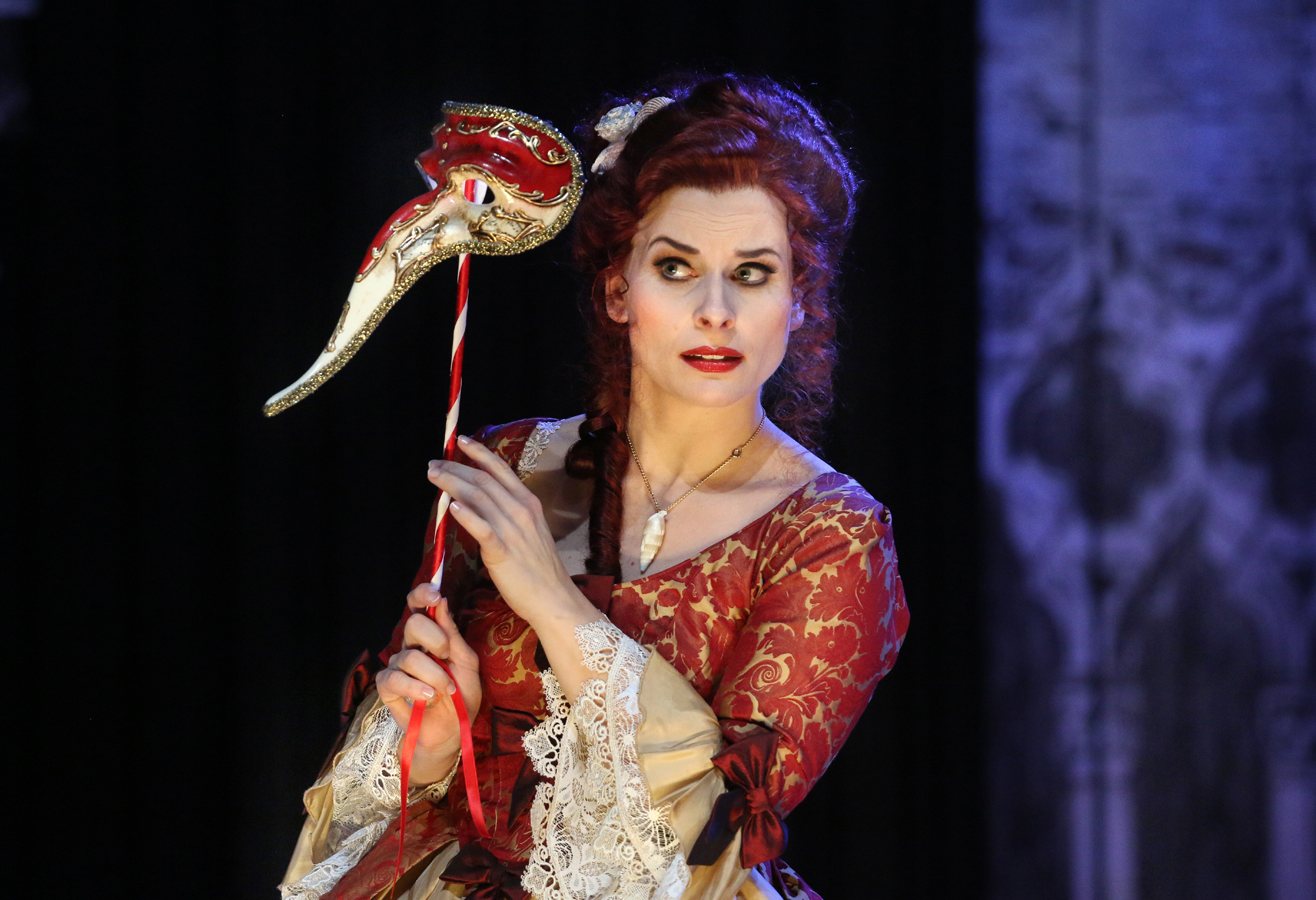 "Franziska Tiedtke as Annina in Pforzheim's ""Eine Nacht in Venedig."" (Photo: Sabine Haymann)"