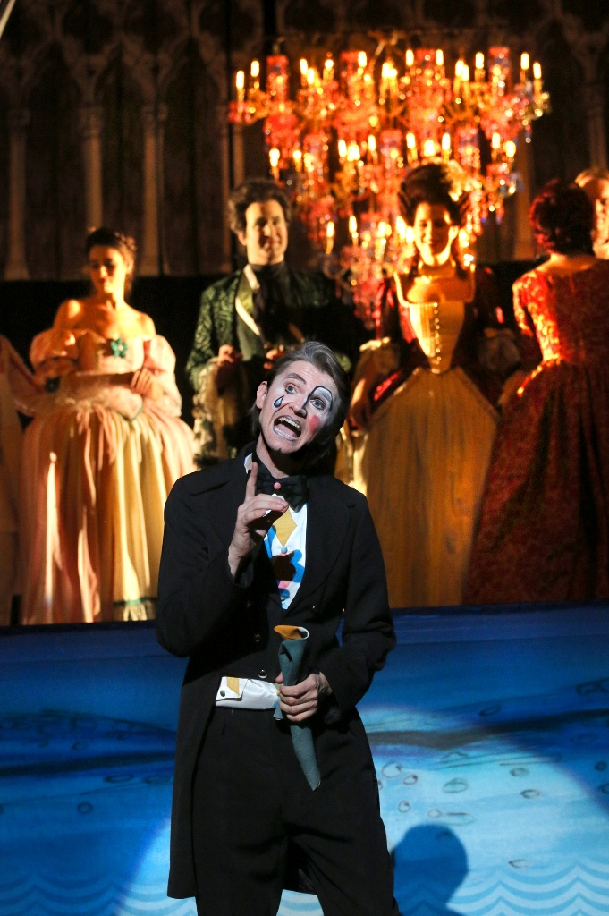 "Thomas Peters as the Narrator in ""Eine Nacht in Venedig"" in Pforzheim. (Photo: Sabine Haymann)"