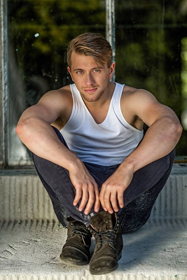 "Barihunk Jan Rekeszus, who studied at the UdK Berlin and should do more operetta. He made a splash in the movie ""The Florence Foster Jenkins Story"", in shows such as ""Grimm"" and ""The Wizard of Oz."" (Photo: Dennis König Photographie)"