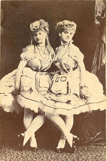 The Schroetter sisters. (Photo: Kurt Gänzl Archive)