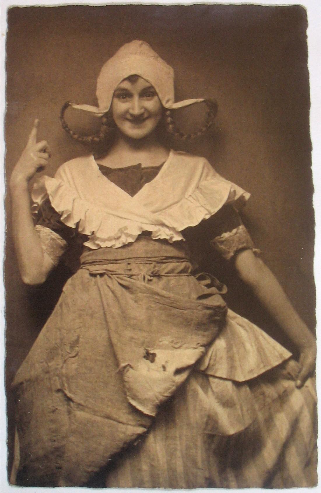 """Emmerich Kalman's 1920 operetta """"Das Hollandweibchen"""" also played with 'Dutch' elements, successfully."""