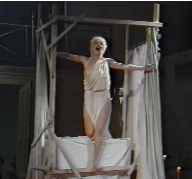 Soprano Carola Nossek as Galathée in part 1 of the Offenbach/Suppé double bill at the Staatsoper, 1982. (Screenshot)