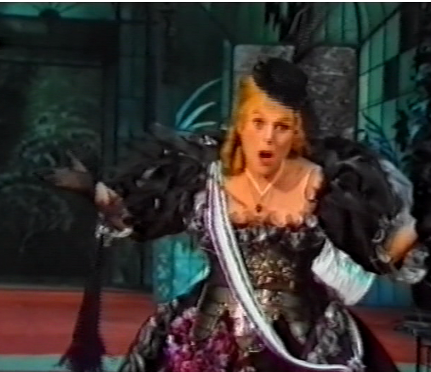 "Jutta Vulpius as Theoderine in ""Tulipatan,"" 1982. (Screenshot)"