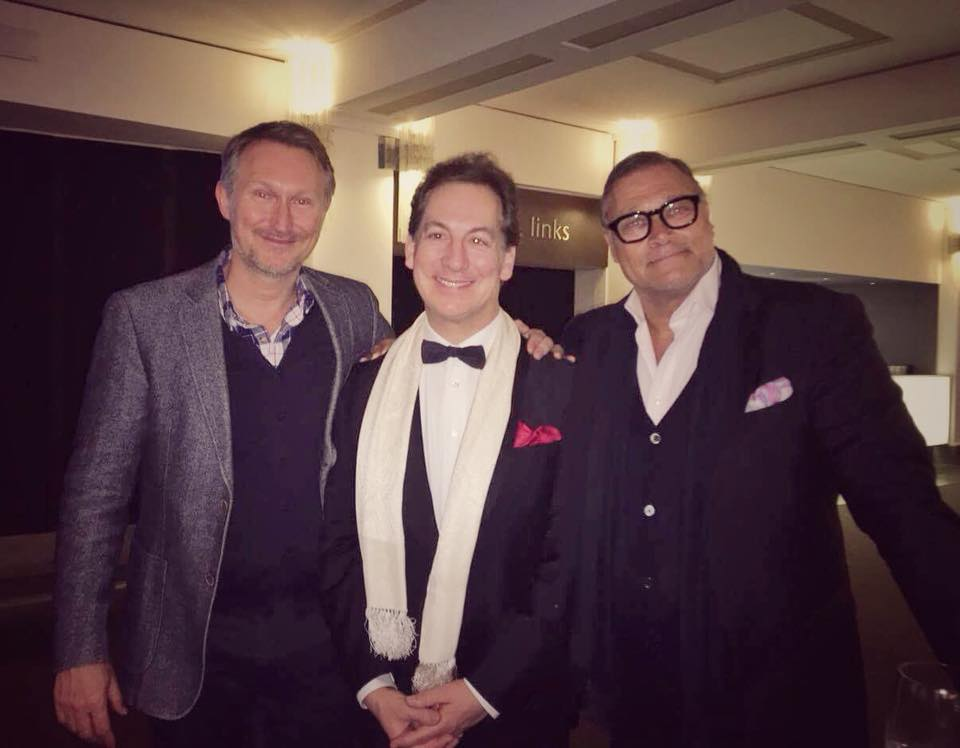 Robert Jarczyk-Kálmán (r.) together with pianist Alexander Frey and the director of the Operetta Research Center, Dr. Kevin Clarke (l.) (Photo: Private)