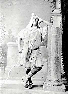 Huntley Wright as Heliodorus.