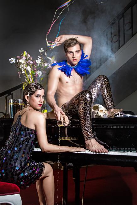 """A Star Is Born: Jonas Dassler In Spoliansky's """"Alles Schwindel"""" At Gorki Theater"""