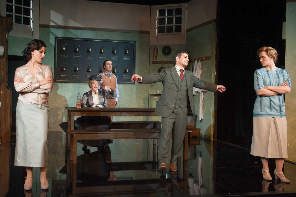 "The Downton Abbey scene from ""Der Opernball"" in Plauen. (Photo: Theaterfotograf Peter Awtukowitsch)"