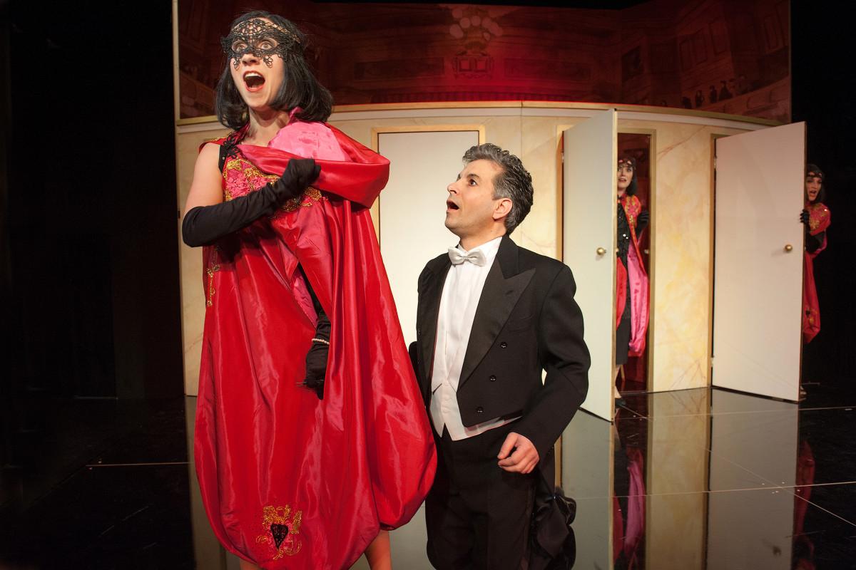 """Scene from """"Der Opernball"""" in Plauen. (Photo: Theaterfotograf Peter Awtukowitsch)"""