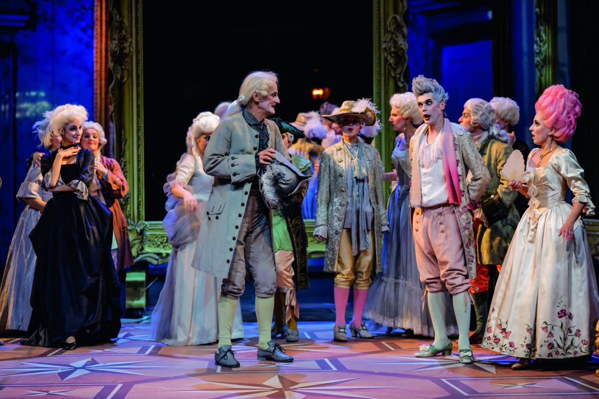 "Robert Sadil, Thomas Zisterer, Verena Barth-Jurca and ensemble in ""Die Kaiserin"" at Theater Baden. (Photo: Christian Husar/www.christian-husar.com)"