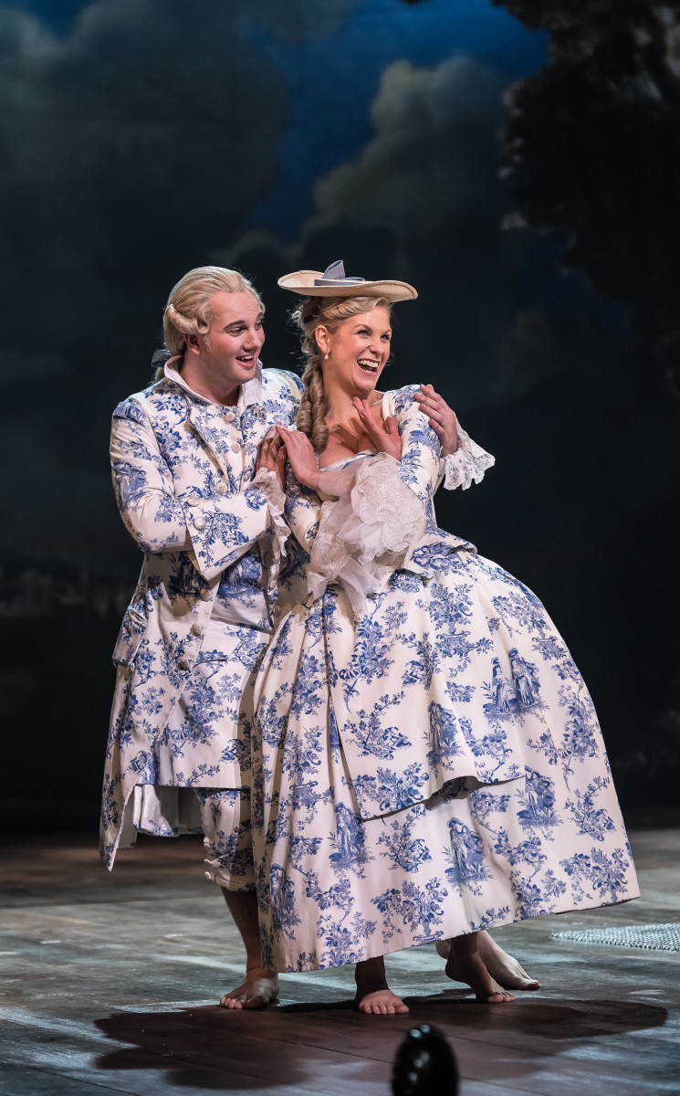 """Marcus Farnsworth and Ellie Laugharne in """"Iolanthe"""" at ENO, 2018. (Photo: CLIVE BARDA/ArenaPAL)"""