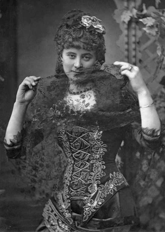 The Offenbach singer Florence St. John in 1880.