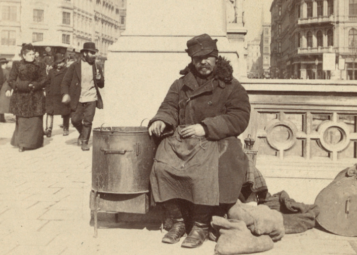 """A typical street scene from Vienna pre-1900. (Photo from the catalogue """"Wiener Typen,"""" Wien Museum 2013)"""