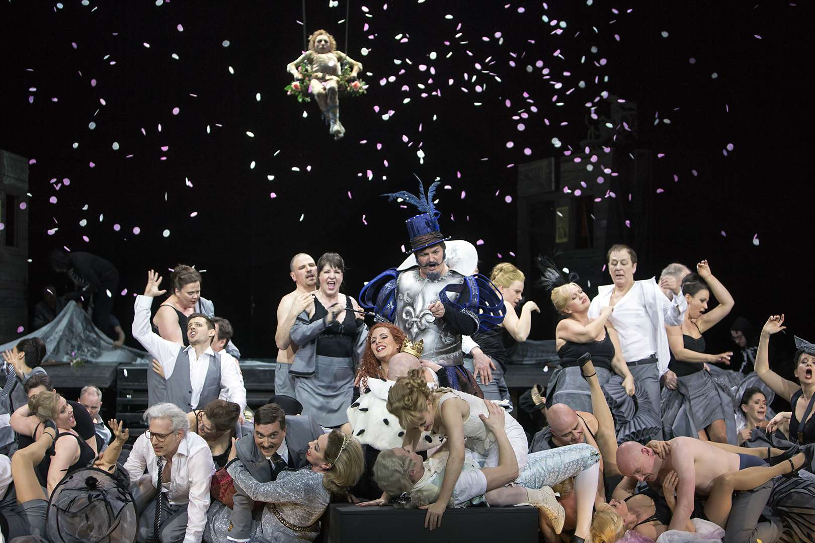 "The ensemble in ""Blaubart"" engaging in a mass orgy in the finale of act 2. (Photo: Iko Freese / drama-berlin.de)"