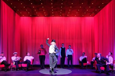 """""""Die Blume von Hawaii"""" At Theater für Niedersachsen: Florian Ziemen Conducts"""