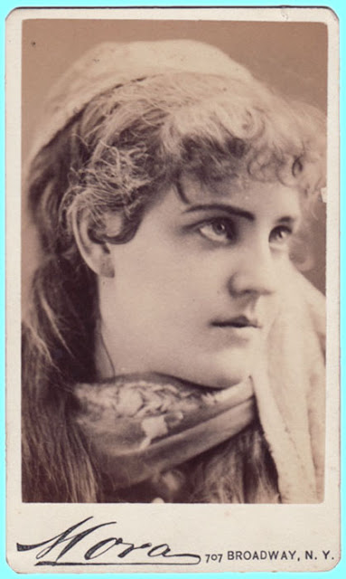 Publicity shot of Blanche Roosevelt. (Photo: Kurt Gänzl Collection)
