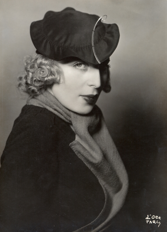 ATELIER D'ORA | Tamara de Lempicka with a hat of Rose Descat | 1933 © Private collection, Vienna