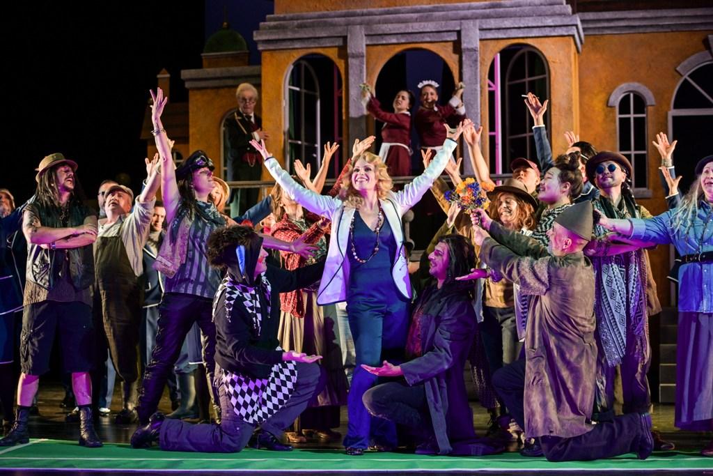 """Gräfin Mariza"" at Theater Magdeburg, 2018. (Photo: Nilz Böhme)"