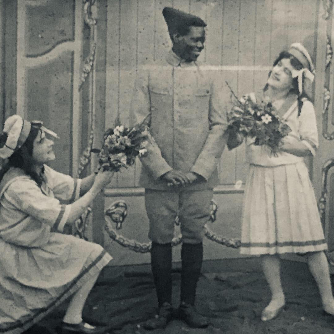 English, French and Russian theater performance in a prison war camp in Cottbis (Brandenburg) during World War 1. (Photo: Paul Tharan/Stadtarchiv Cottbus)