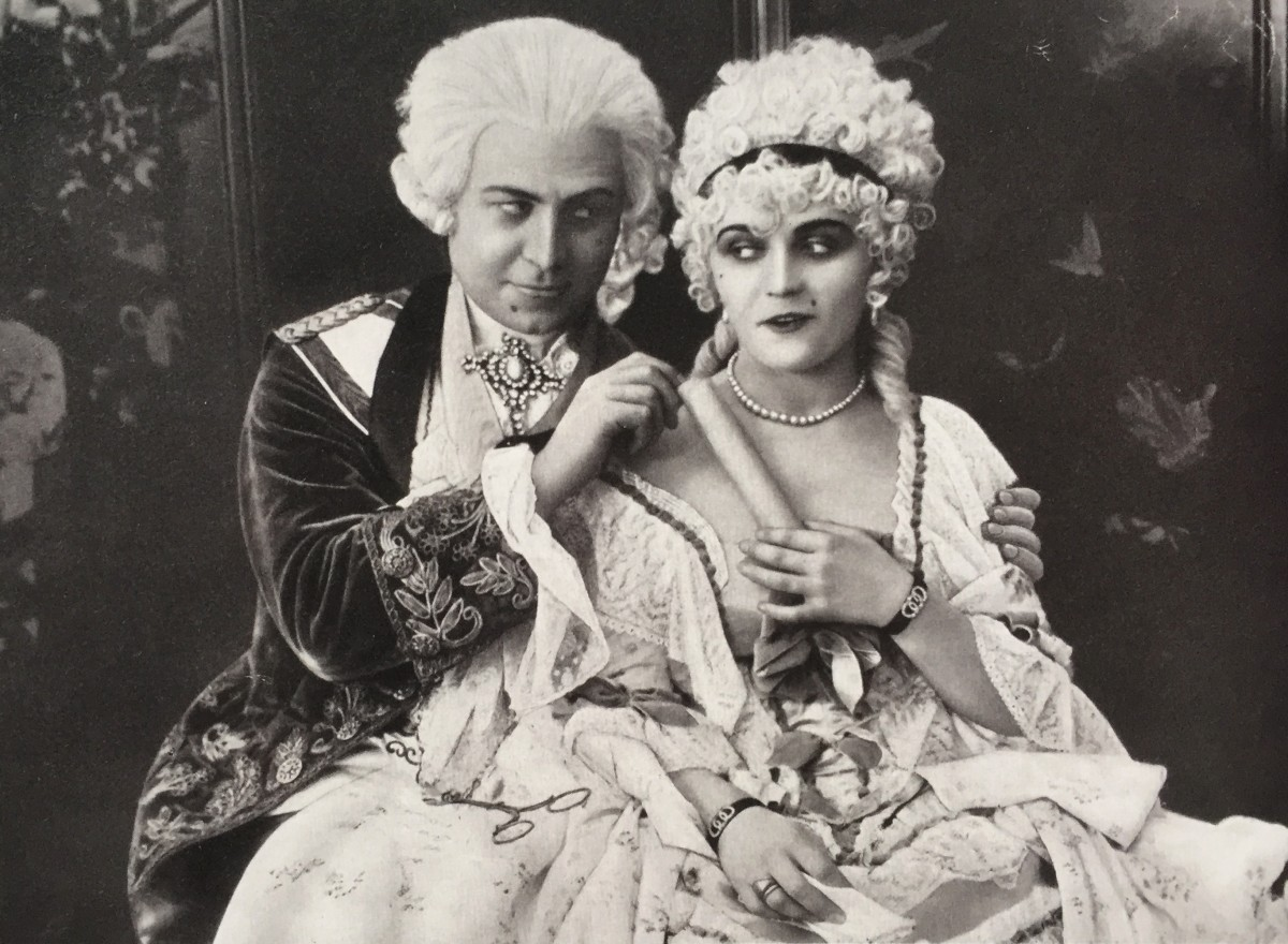 "Pola Negri as Jeanne (Madame Dubarry) and Emil Jannings as King Louis XV in the Ernst Lubitsch film ""Madame Dubarry"" from 1919. (Photo from the catalogue ""Berlin in der Revolution 1918/1919,"" Verlag Kettler / Staatliche Museen zu Berlin)"