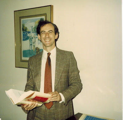 "Kurt Gänzl in 1986, holding his first published book: ""British Musical Theatre."" (Photo: Archive Kurt Gänzl)"