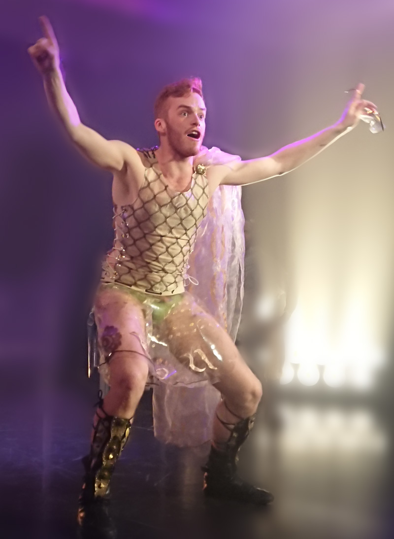 "Timo Stacey as Achilles in ""Die schöne Helena"" at UdK Berlin. (Photo: Madis Nurms)"