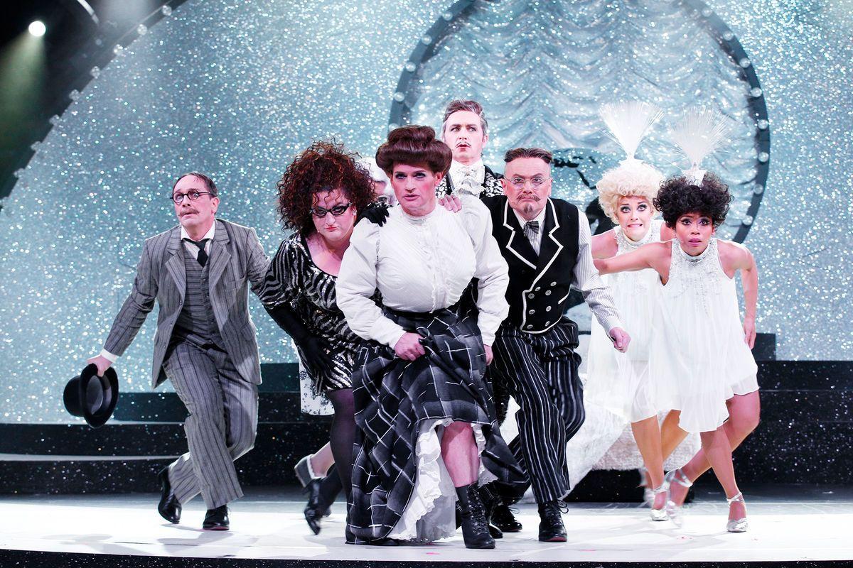 """Max Gertsch, Anna Mateur, Christoph Marti, Tobias Bonn, Thomas Pigor, Meri Ahmaniemi, Marides Lazo (left to right) in """"Frau Luna."""" (Photo: Barbara Braun)"""