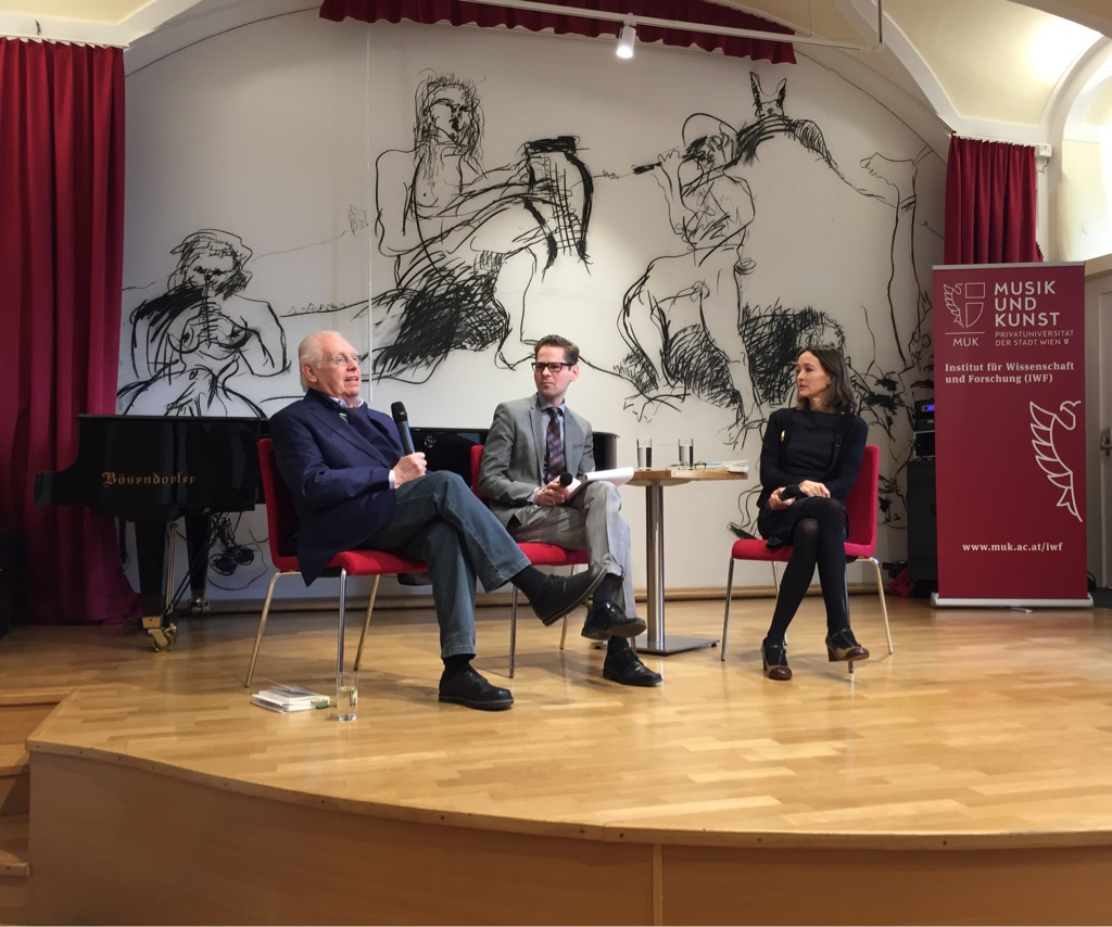 A discussion on Franz von Suppé with biographer Hans-Dieter Roser (left), Stefan Schmidl and Susana Zapke from the Institut für Wissenschaft und Forschung. (Photo: Operetta Research Center)