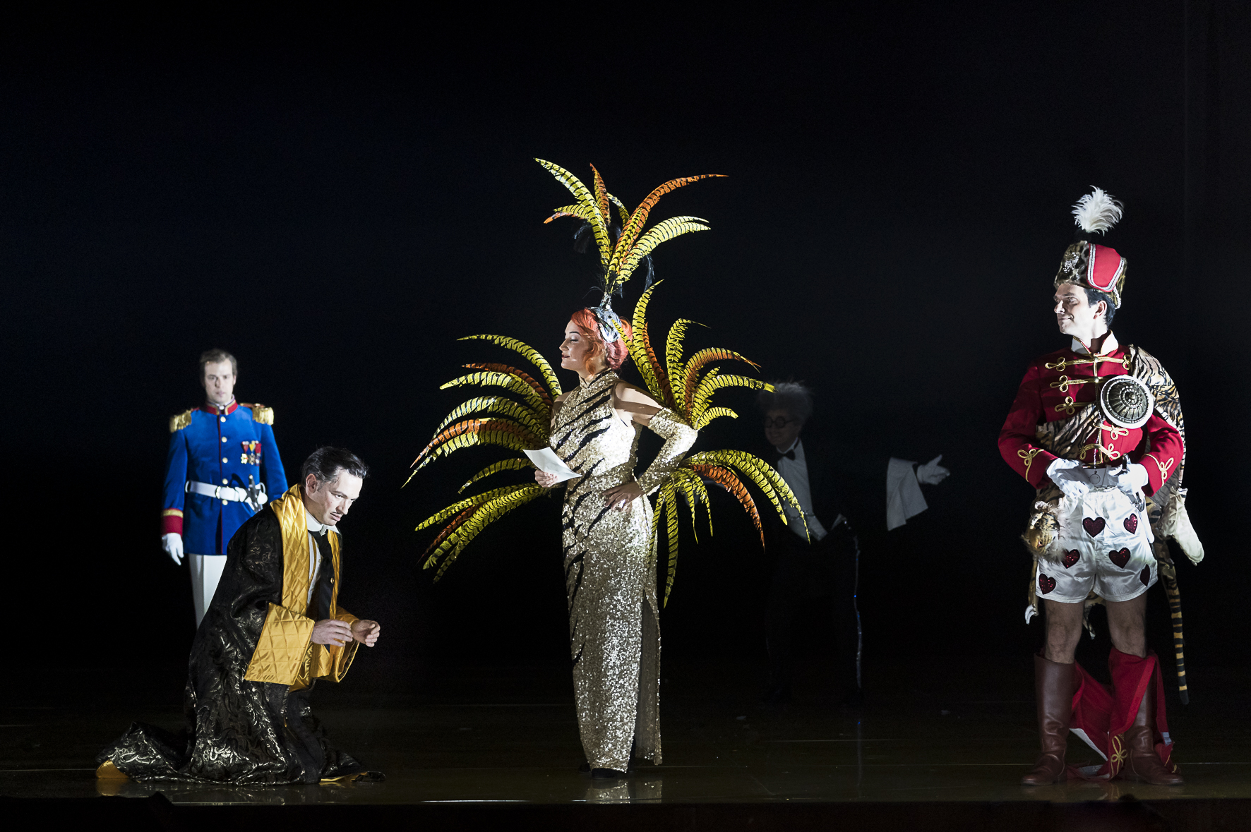 """Szabolcs Brickner (Graf Boleslav Zagorsky), Markus Butter (Graf Staschek Zagorsky), Mareike Jankowski (Suza), Ivan Oreščanin (Casimir von Kawietzky) in """"Polnische Hochzeit"""" at Oper Graz. (Photo: Werner Kmetitsch)"""