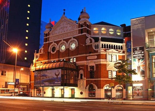 The Belfast Grand Opera House today. (Photo: Albert Bridge/Wikipedia)