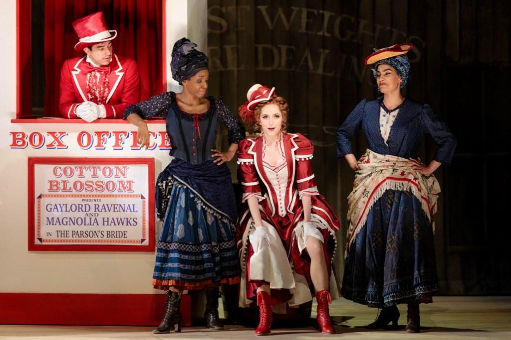 """Scene before the """"Cotton Blossom"""" showboat. (Photo: Karli Cadel / Glimmerglas Opera)"""