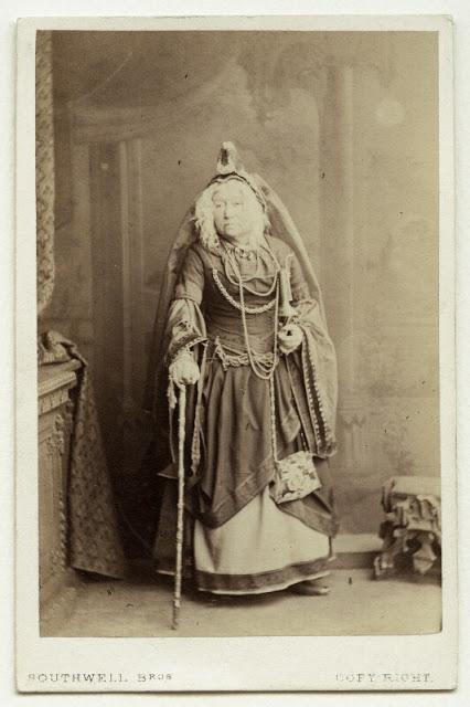 """Mrs. Selby in """"Rumpelstiltskin."""" (Photo: Kurt Gänzl Archive)"""
