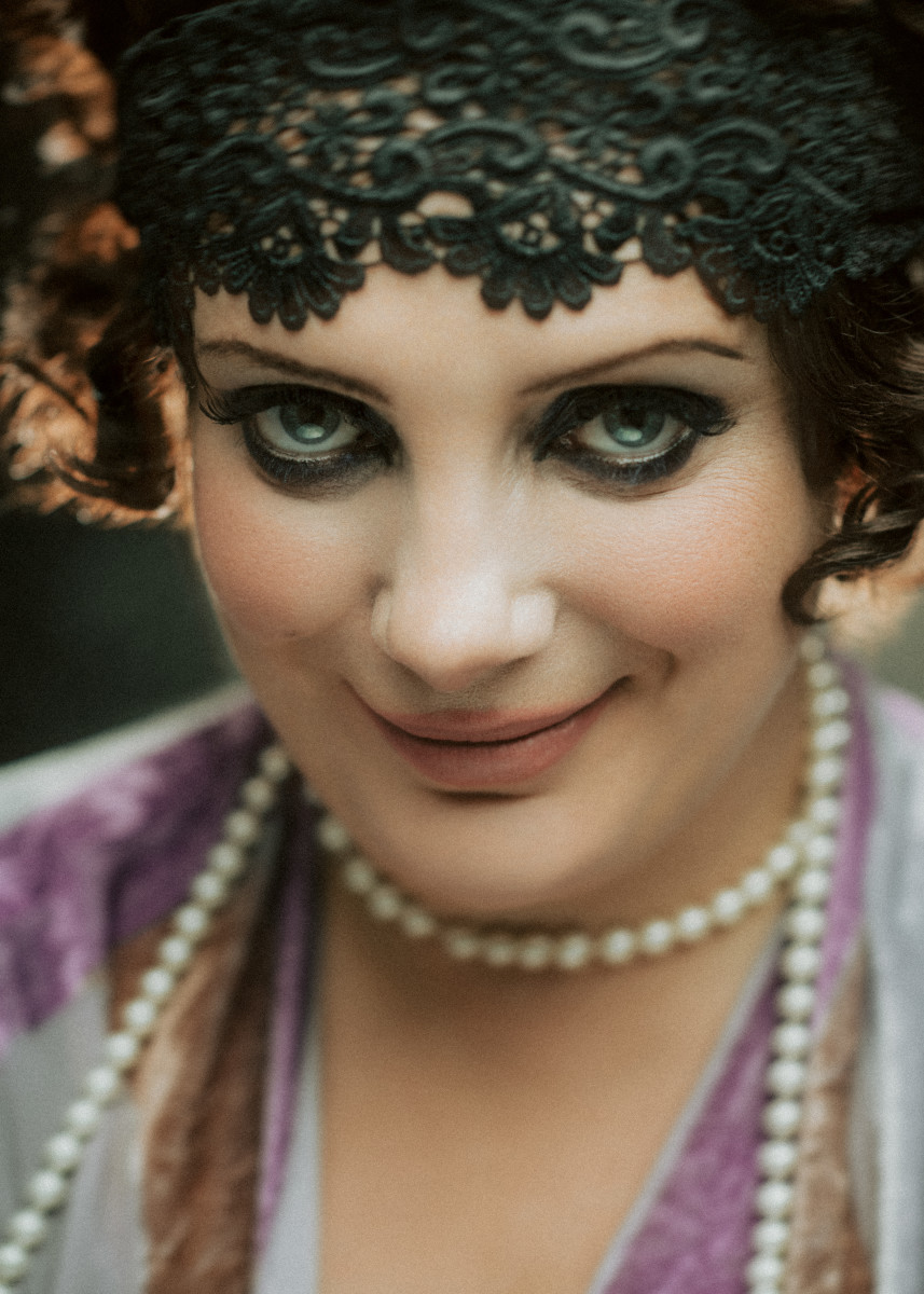 Christine Bovill in Roaring Twenties make-up at Bar jeder Vernunft. (Photo: Kris Kesiak)