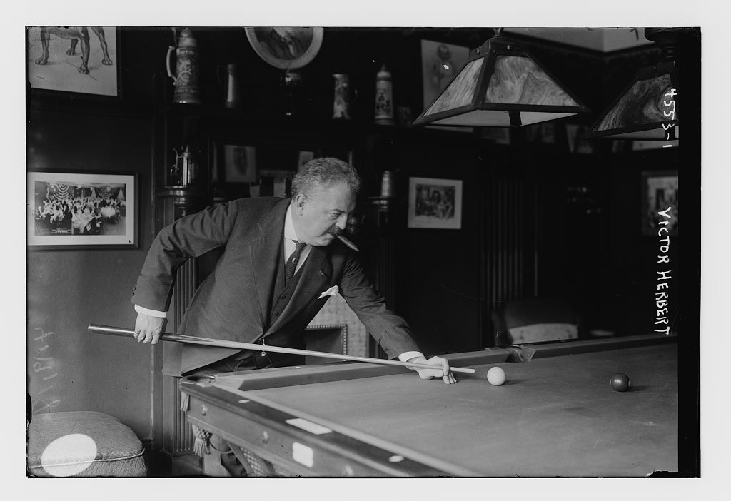 Victor Herbert playing pool. (Photo: Wikiwand)