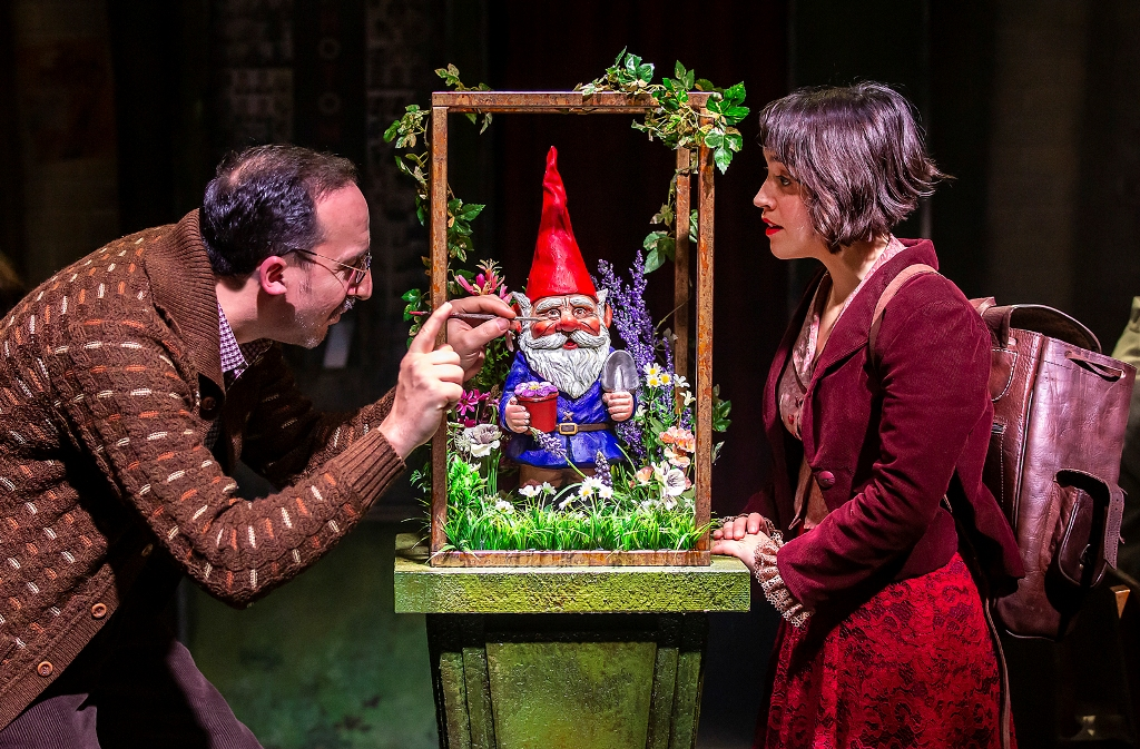 "It could almost be a scene from ""Feuerwerk,"" but it's ""Amélie,"" 2019.  (Photo: Pamela Raith Photography)"
