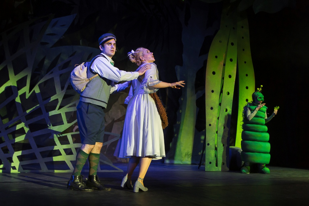 "André Gass as the Farmboy and Christina Maria Heuel as Mary, with Stephanie Atanasov as the Butterfly in the ""Babes in Toyland"" production in Zwickau-Plauen. (Photo: André Leischner)"