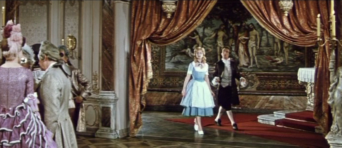 "Lurette enterting the stilted world of French aristocracy. (Photo: Screenshot from the 1960 DEFA film version of ""Die schöne Lurette"")"