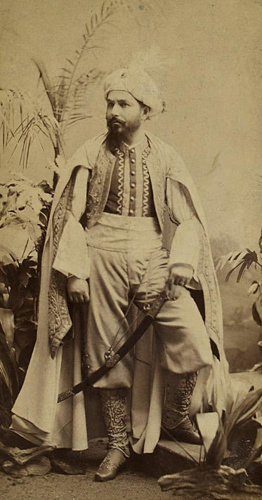 "Josef Josephi as Prince Antarsid in Suppé's ""Die Afrikareise."" (Photo: Theatermuseum Wien)"