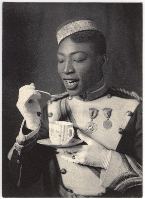 """George W. Walker in """"In Dahomey"""", photographed by Cavendish Morton in 1903. (Photo: National Portrait Gallery)"""