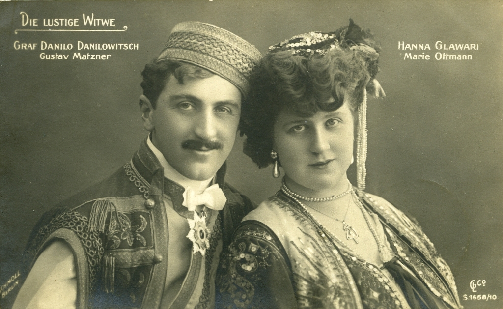 Gustav Matzner as Danilo and Marie Ottmann as Hanna in the original Berlin production, 1907. (Photo: Christian Zwarg Archive)